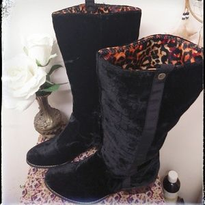Shoes - Black velvet snake skin inspired boho combat boot.